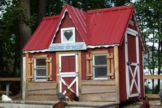 "Playhouse or Hen House? Gives the ""Story Book"" feel! Gingerbread anyone?  #HenHouse www.FreeHenHousePlans.weebly.com"