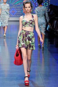 Dolce & Gabbana Spring 2012 Ready-to-Wear Fashion Show - Mina Cvetkovic