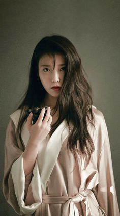 Korean Actresses, Korean Actors, Korean Beauty, Asian Beauty, Korean Girl, Asian Girl, Pretty Asian, Iu Fashion, How To Pose
