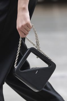 Coperni at Paris Fashion Week Fall 2020 - Details Runway Photos Paris Fashion, Fashion Bags, Fall Fashion, Big Bags, Small Bags, 3d Prints, Branded Bags, Casual Bags, Luxury Bags