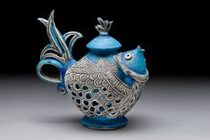 Another amazing teapot by my even more amazing pottery teacher, Tripti Yoganathan click now for info. Pottery Teapots, Ceramic Teapots, Ceramic Pottery, Ceramic Art, Blue Pottery, Chocolate Pots, Chocolate Coffee, Teapots Unique, Vintage Teapots