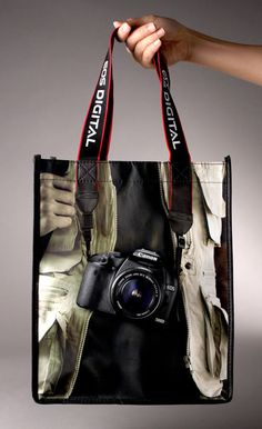 These 25 Creative Examples Of Bagvertising show just how creative advertising on bags can be!