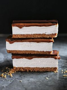 s'more caramel slice from donna hay magazine