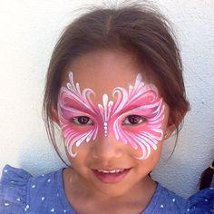 Ronnie mena pink teardrop mask face paint                                                                                                                                                                                 Mais
