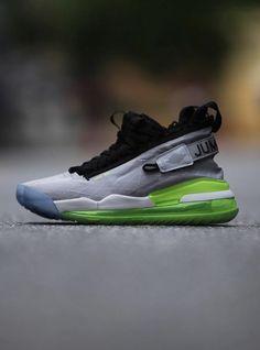 Nike Men's Legend Essential Mesh Training Shoes