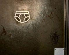 Signos baños Publicos / Señales de baño: Original señal para cambiar bebes publico. #señalesdebaños #iconosbañospublicos #signosbaños #badebaño