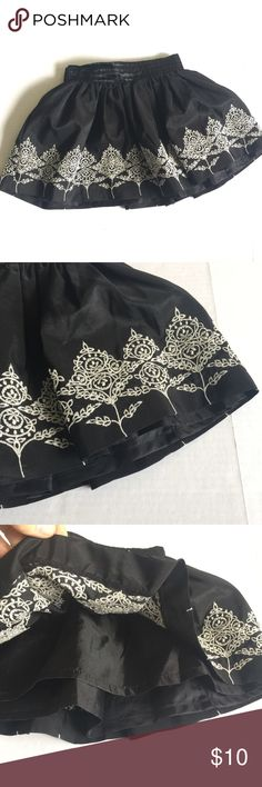 Old Navy skirt Black full twirl skirt fully lined embroidered Old Navy Bottoms Skirts