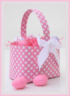 I'm thinking of making a basket for EA to use to hunt eggs....this one would be cute!