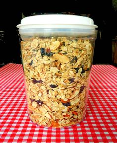 One Perfect Bite: Homemade Granola~T~ I make one like this but no oil