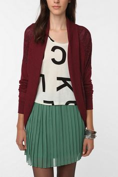 block color and letters. Love the green, burgundy, black and white color combo