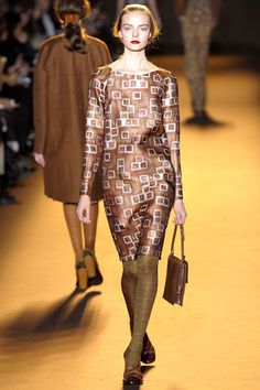 Rochas Fall 2012 Ready-to-Wear Fashion Show