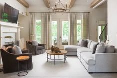 Beautiful Farmhouse Living Room Ideas! Find some of the best farmhouse themed living room decorations and designs that you can use for inspiration. We have modern farm home living rooms and more. Living Room New York, Home And Living, Joanna Gaines, Rustic Sunroom, Living Room Designs, Living Room Decor, Living Spaces, Sunroom Decorating, Family Room Design