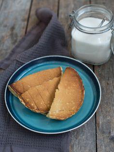 MRF-svele - Oppskrift   Kvardagsmat.no Pretzel Bites, Hot Dog Buns, Glass Of Milk, Food And Drink, Bread, Baking, Ethnic Recipes, Desserts, Baking Soda