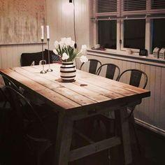 Lovise spisebord i Drivved interiørbeis fra Korshagan gårdssnekkeri