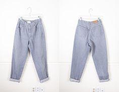 1980s Gray Calvin Klein Jeans / High Waist Denim Jeans / Grey Denim Boyfriend Jeans / 90s Grunge Relaxed Fit Jeans / High Waisted Jeans by BlueHorizonVintage on Etsy #gray #grey #denim #jeans #Denim #80s #90s #calvin #klein #vintage #fashion #clothing