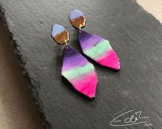 Handgearbeiteter Statementschmuck by EdithArtsDesigns Artisan Jewelry, Statement Earrings, Etsy Seller, Create, Unique, Pink, Handmade, Color, Beautiful