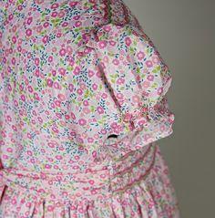 Robe bébé Amandine smockée Zigzag en Liberty rose