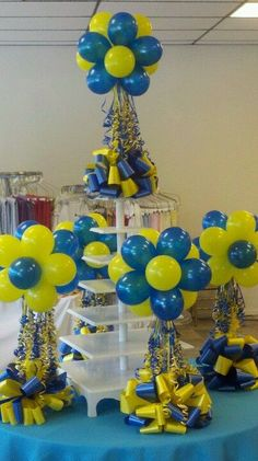 Balloons Topiaries, these would be great for a graduation party or baby shower. Balloon Topiary, Balloon Flowers, Balloon Columns, Balloon Bouquet, Balloon Ceiling, Ballon Decorations, Balloon Centerpieces, Masquerade Centerpieces, Centerpiece Ideas
