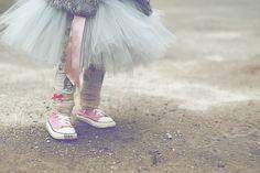 królewna w trampkach, moda dziecięca, tutu, converse, legginsy w króliki, trendy jesień/zima 14, wikilistka, blog, parenting, fotografia dziecięca,