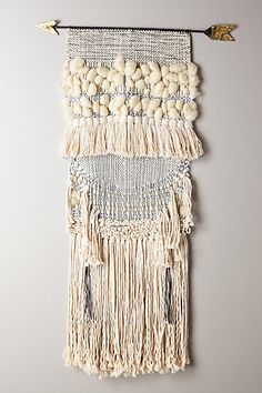 Handwoven Arrow Tapestry - anthropologie.eu