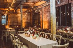Urban New York City loft wedding | Photo by Amber Gress | Read more -  http://www.100layercake.com/blog/wp-content/uploads/2015/02/Urban-New-York-Loft-wedding