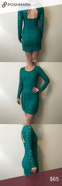 Free People Kelly Green Wavy Textured Dress Free People Green dress with long sleeves and a Wavy Textured body that is lined and the arms are sheer- cut out back and is in good condition only worn once! Free People Dresses Long Sleeve