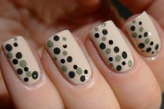 Love. Varnish, chocolate and more...: OPI My Vampire Is Buff dotticure