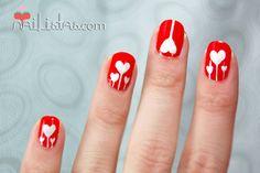 Uñas decoradas con corazones // San Valentín