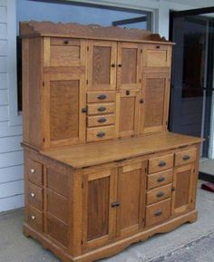 Antique Oak Hoosier Kitchen Baker's Cabinet General Country Store Restaurant Old~Love these old Hoosier cabinets Primitive Furniture, Country Furniture, Country Decor, Vintage Furniture, Farmhouse Decor, Modern Furniture, Futuristic Furniture, Farmhouse Style, Furniture Decor