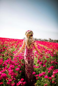 Leanne Barlow reveals The May Dress, part of her Monthly Dress Series where she designs and makes a dress inspired by each month of the year. Photography Poses Women, Fashion Photography, Aesthetic Women, Girls With Flowers, Photo Poses, Beautiful Flowers, Photoshoot, Pictures, Dresses