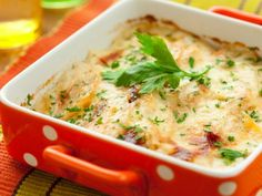 potato and kohlrabi gratin with cheese Twice Baked Potatoes Casserole, Cabbage Casserole, Veggie Casserole, Chicken Casserole, Casserole Recipes, Beef Gravy, Cabbage And Bacon, Bechamel, Heart Healthy Recipes