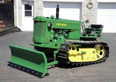 John Deere Equipment, Old Farm Equipment, Heavy Equipment, Jd Tractors, John Deere Tractors, Antique Tractors, Vintage Tractors, New Tractor, Tractor Implements