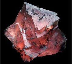 Fluorite - Aiguille Verte Massif, Chamonix, Haute-Savoie, France Size: 53 x 53 x 32 mm