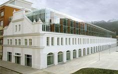Corso I Karlin, Prague, CZ / Ricardo Bofill Taller de Arquitectura