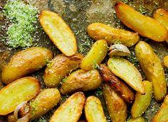 Pretzel Bites, Kiwi, Pickles, Sweet Potato, Cucumber, Protein, Food And Drink, Potatoes, Vegetarian