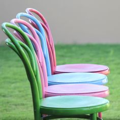 How to Paint Chairs - Inspiration DIY