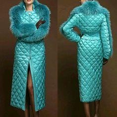 Стильно Fur Fashion, Look Fashion, Hijab Fashion, Winter Fashion, Fashion Dresses, Womens Fashion, Fashion Design, Blanket Coat, Fur Jacket