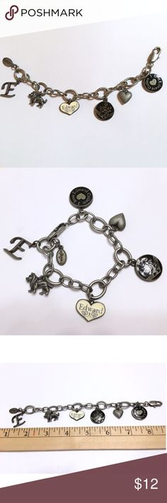 ✨Twilight Collectible Edward Cullen Charm Bracelet Authentic Collectable Twilight Edward Cullen Bella Swan Silver Clasp Charm Bracelet. GUC. Only worn once! Offers welcome✨ tags: twilight movie, new moon, twilight jacob, cullen crest Jewelry Bracelets