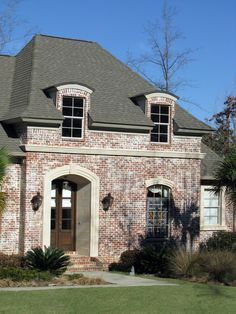 As the leading brick distributor in the southeast, South Alabama Brick Company is committed to providing our customers with quality brick, stone, outdoor living, fireplaces, fire pits, pavers & more with outstanding service.