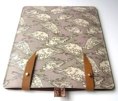 Leather iPad case with leafes and sparrows