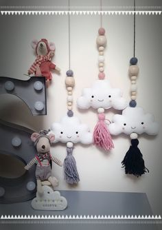 Hanging cloud garland Sweet smiley cloud garland with soft wool felt balls, natural wooden beads and Mummy Crafts, Yarn Crafts, Bead Crafts, Crafts To Make, Diy Crafts, Aztec Nursery, Nursery Décor, Hanging Clouds, Beaded Garland