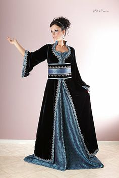 Gown Raziela wore to Benden to meet Zarolan's parents. Caftan - Tradition and modernity