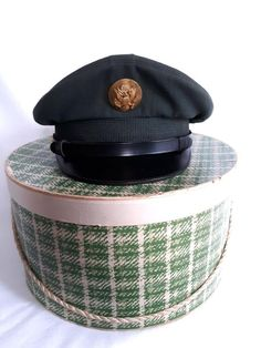 31e5ae5b123 Vintage US Army Military Green Wool Dress Enlisted Man Hat Visor Insignia  Size 6 5