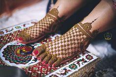 Best Candid Wedding Photographers in Chandigarh, Punjab. Sushil Dhiman Photography Offers Pre Wedding & Maternity Photoshoot In Chandigarh, Mohali. Khafif Mehndi Design, Henna Designs Feet, Mehndi Designs Book, Mehndi Designs 2018, Mehndi Designs For Beginners, Wedding Mehndi Designs, Mehndi Designs For Fingers, Dulhan Mehndi Designs, Leg Mehndi
