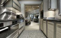 Luxury Ski Chalet, Chalet Black Pearl, Val d'Isère Chalet Design, Chalet Style, House Design, Ski Chalet, Design Hotel, Chalet Interior, Interior Design, Val D'isère, Kitchen Designs