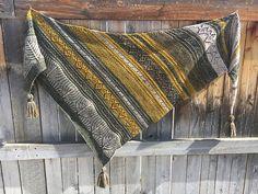 Ravelry: Dream Lake Shawl pattern by Julia Decker