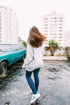 Monet's Garden Sweater free pattern Tumblr Photography, Urban Photography, Photography Poses, Poses For Pictures, Photos Tumblr, Foto Pose, Aesthetic Photo, Tumblr Girls, Girl Photos