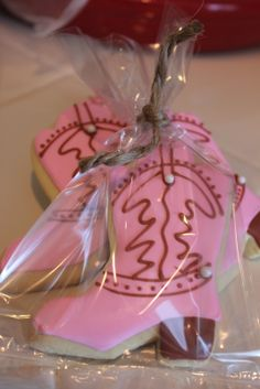 Cowboy boot cookies as favors Rodeo Party, Horse Party, Cowgirl Party, Cowgirl Boot, Paisley Baby Showers, 3rd Birthday Parties, 2nd Birthday, Birthday Ideas, Cowgirl Cookies