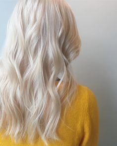 Long platinum white blonde hair color This curly long platinum snow white gold hair color with Long White Hair, White Blonde Hair, Light Blonde Hair, Blonde Hair Looks, Natural White Hair, Levels Of Hair Color, Hair Levels, White Blonde Highlights, Blonde Color
