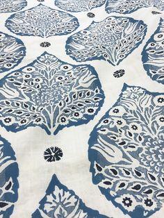 This listing is for one Lotus Denim on White Linen pillow cover.   DESCRIPTION Designer: Galbraith & Paul Colors: Indigo, denim blue, cornflower